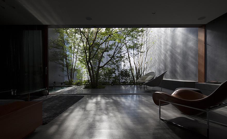 Optical glass house for Modern japanese house design by hiroshi nakamura